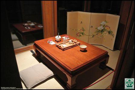 Herbaciarnia- Satomi-Pisarzowice-Ogrod-japonski-Pudelko-stolik