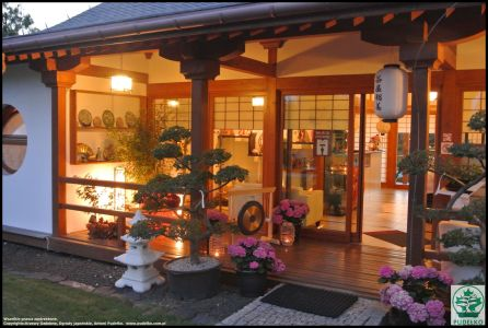 Herbaciarnia- Satomi-Pisarzowice-Ogrod-japonski-Pudelko-wejscie